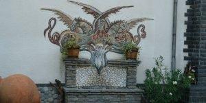 "Декоративно мозаечно пано ""Змей"" в частен дом"