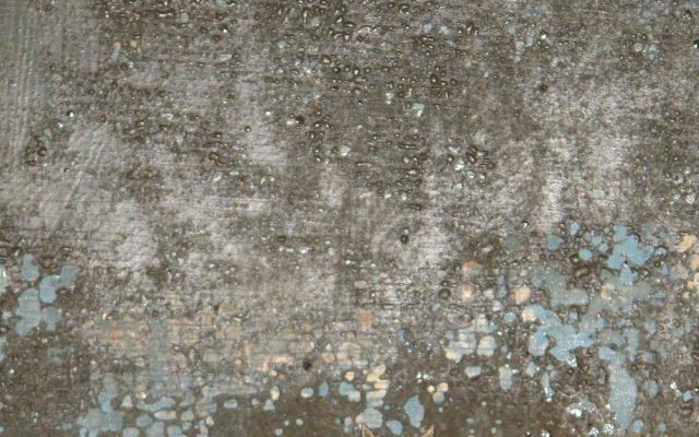 Детайл от иконата преди реставрация - макро фотография