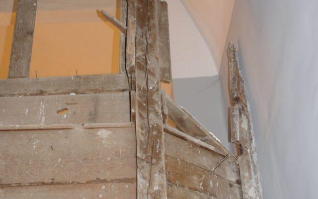 Детайл от иконостаса преди реставрация-гръб_