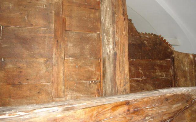 Детайл от иконостаса след реставрация-гръб