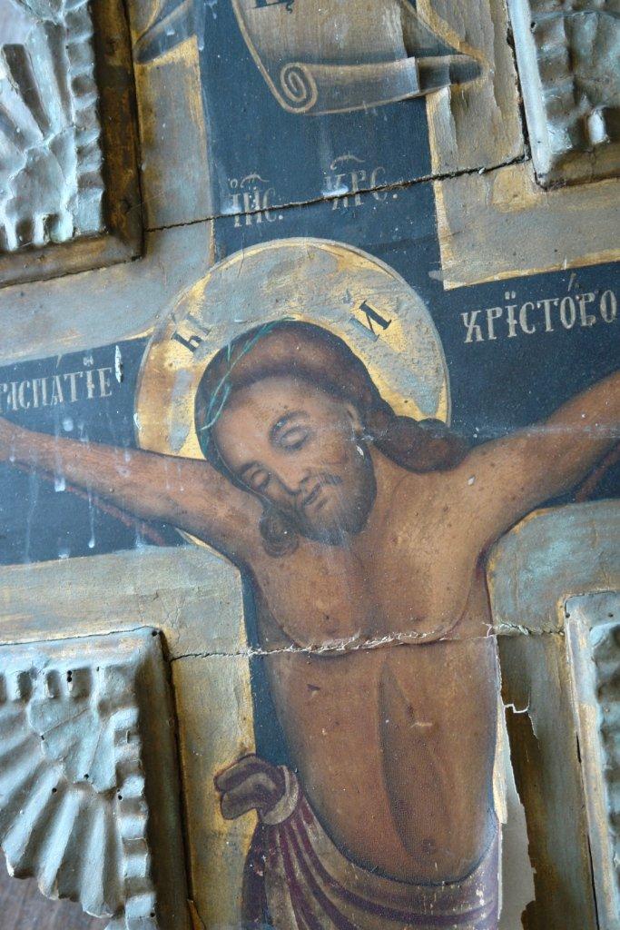 Детайл от кръста преди реставрация-3