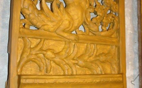 Детайл от царските двери по време на реставрация-подготовка за позлатяване