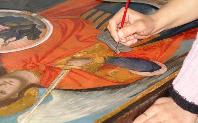 Иконата Архангелски сбор - по време на реставрация