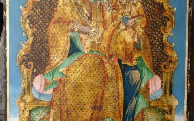 Иконата Св. Богородица по време на реставрация - с китове