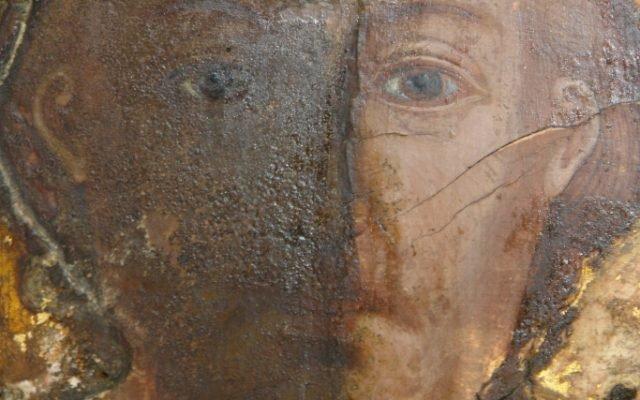 Иконата Св. Св. Три светители детайл по време на реставрация