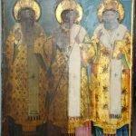 Иконата Св. Св. Три светители по време на реставрация