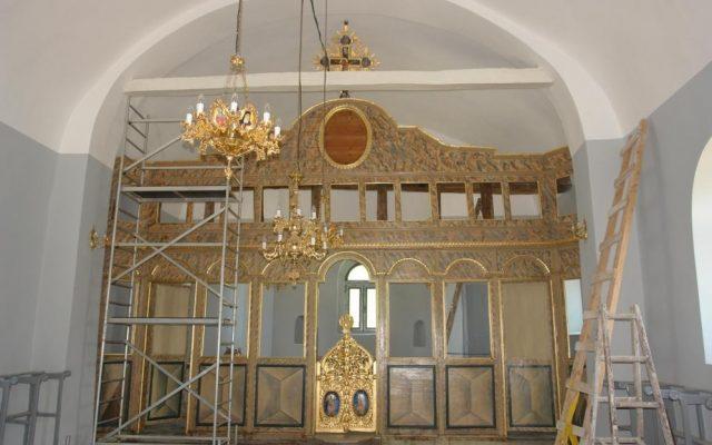 Иконостаса в хр. Св. Теодор-Стратилат по време на реставрация