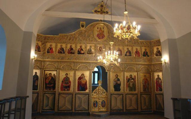 Иконостаса в хр. Св. Теодор-Стратилат след реставрация_
