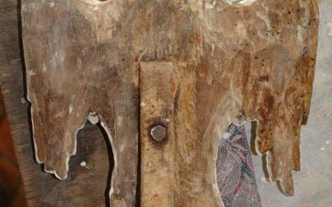 Китрата на дверите по време на реставрация-гръб
