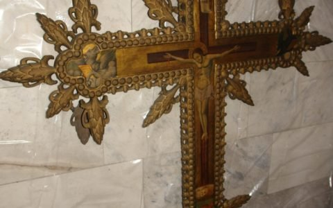 Кръста от иконостаса в храм Св.Георги - Созопол преди реставрация