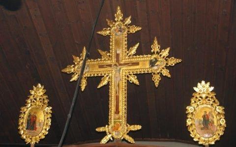 Кръста от иконостаса в храм Св. Георги -Созопол след реставрация
