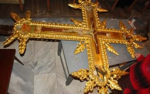 Кръста от иконостаса в храм Св. Георги - Созопол след реставрация