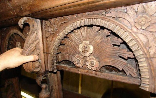 Детайл от иконостаса преди реставрация-2