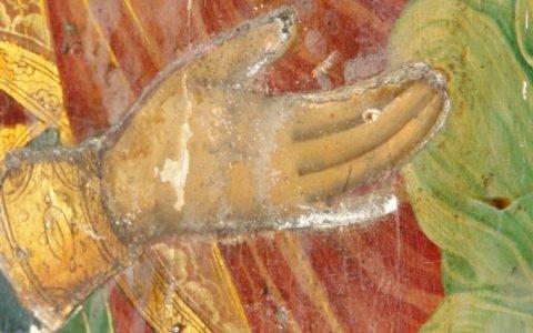 Иконата Св. Богородица детайл по време на реставрация