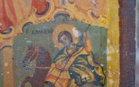 Иконата Св. Богородица детайл преди реставрация-3