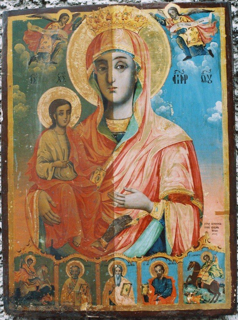 Иконата Св. Богородица по време на реставрация