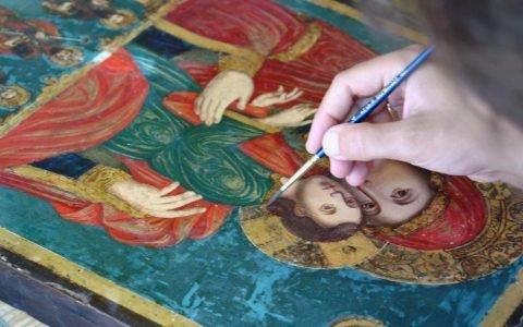 Иконата Св. Богородица с петима светци по време на реставрация-2