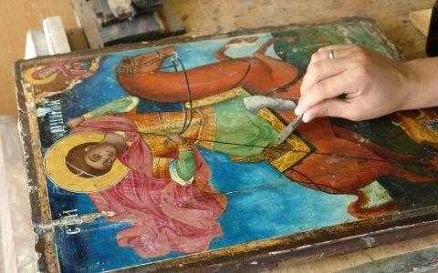Иконата Св. Димитърна кон - по време напочистване